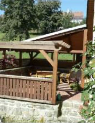 Winterspot Tsjechie - Pension Turnova - terras zijkant